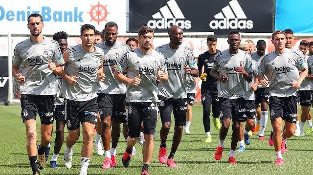 Beşiktaş'ta 'feda' diyen tek futbolcu: Onun dışında kimse indirimi kabul etmedi