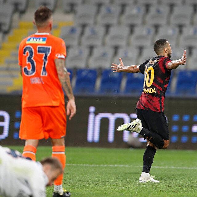 Galatasaray zorlu Başakşehir sınavını üç puanla geçti
