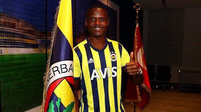 Fenerbahçe Samatta'nın bonservisini KAP'a bildirdi