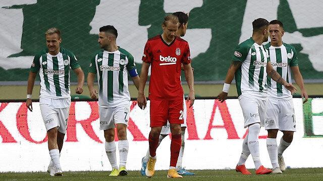 Beşiktaş savunması dağıldı, Konyaspor farka gitti