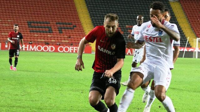 Trabzonspor son dakikada penaltı kararıyla yıkıldı