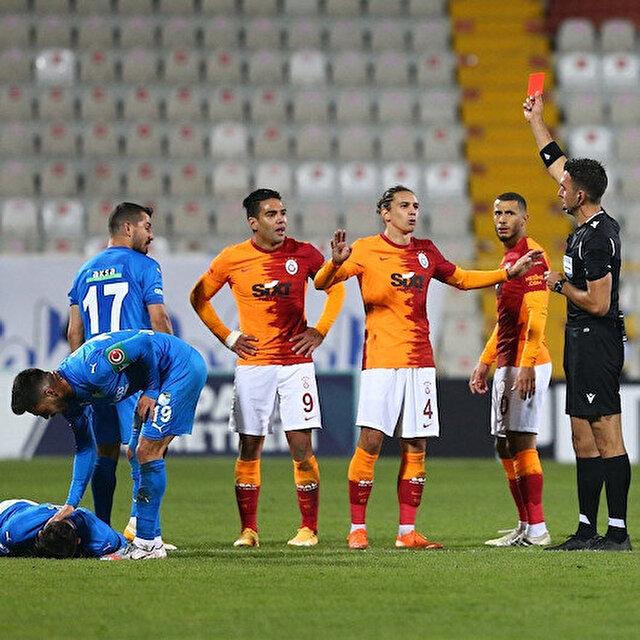Radamel Falcao için kariyerinde bir ilk: Avrupa'da ilk defa kırmızı kart gördü