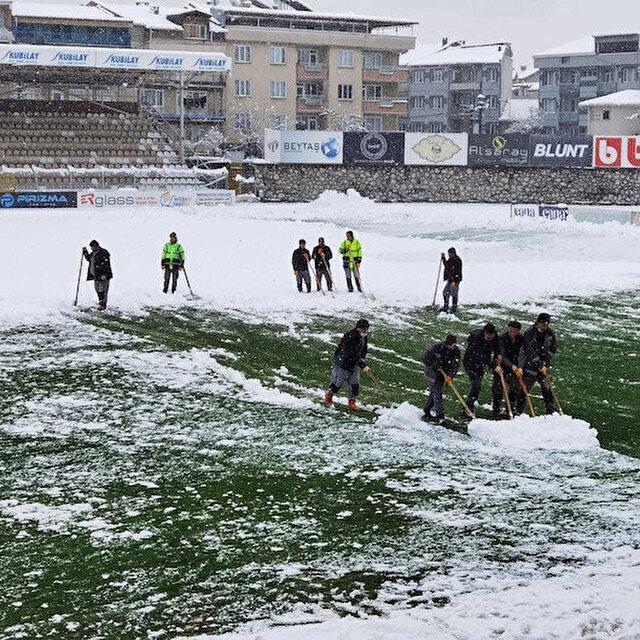 2. Lig maçına kar engeli: Mücadele ertelendi