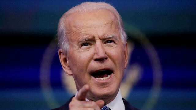 Biden warns dark days ahead as he outlines COVID plan
