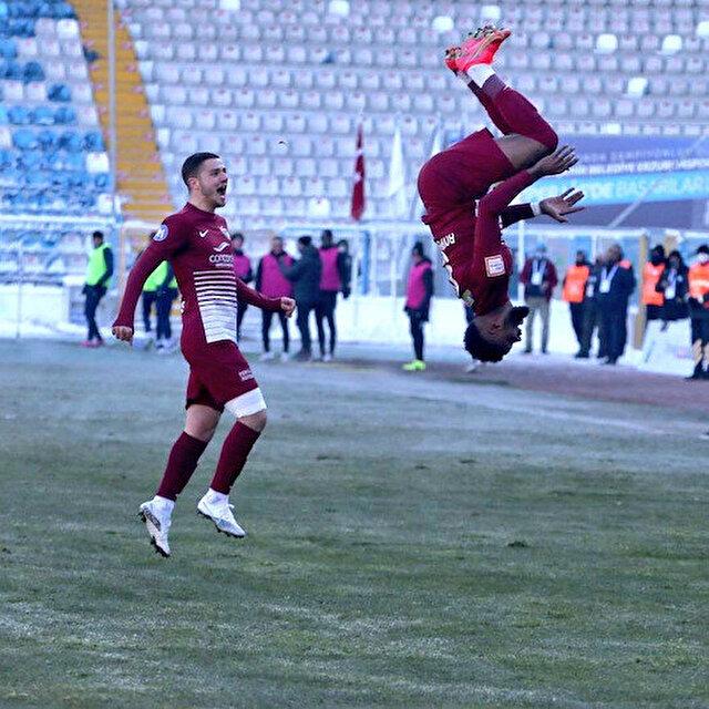 Aaron Boupendza Süper Lig'den ayrılıyor: Golcü futbolcunun yeni adresi belli oldu