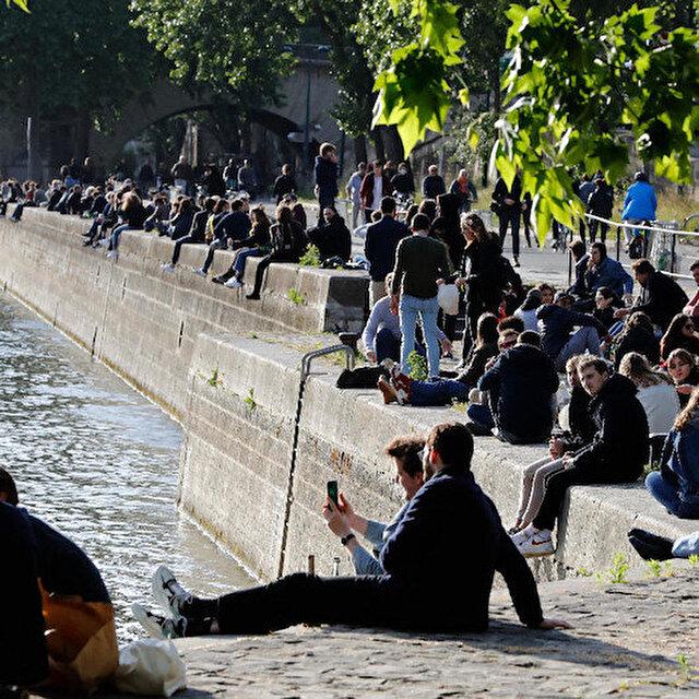Fransa'da kamuya açık alanlarda alkol tüketimi yasaklanıyor