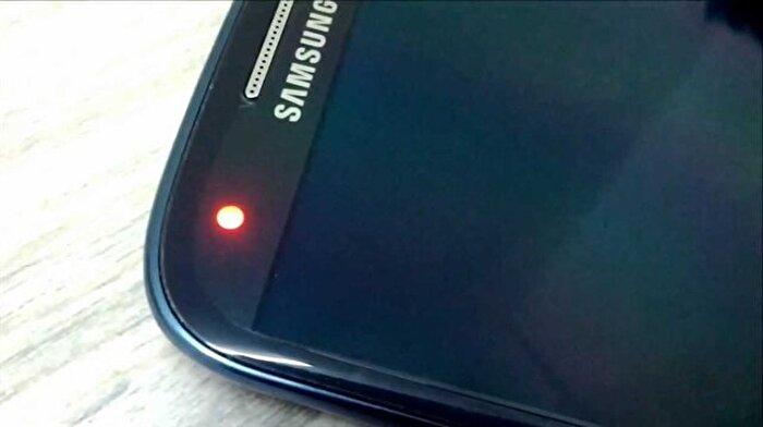 Samsung'lardaki kırmızı bildirim ışığı aslında ne anlama geliyor?