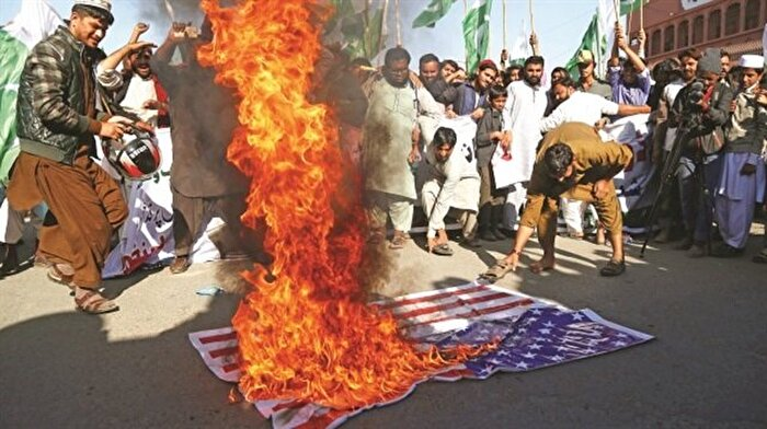 Trump Pakistan'ı tehdit etti