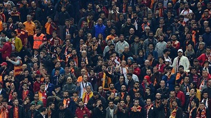 Türk Telekom Stadı'nda skandal olay: Spikeri dövdüler!