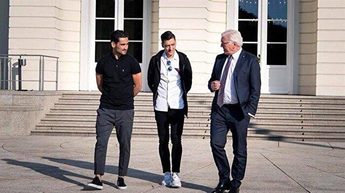 Almanya Cumhurbaşkanı haddini aştı: Mesut ve İlkay'ın bize bağlılığını dile getirmesi gerekiyor