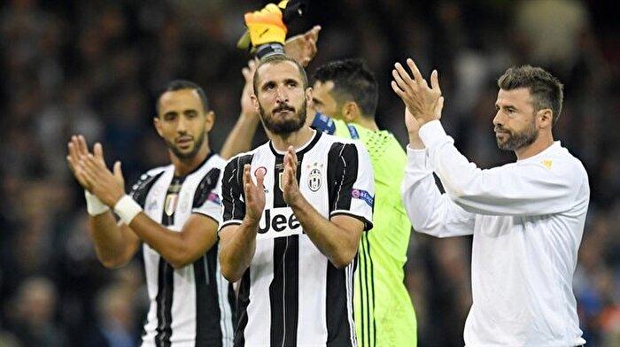Juventus , Barzagli ve Chiellini ile nikah tazeledi