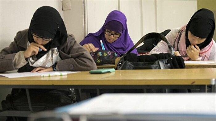 Cezayirliler: Artık İngilizce öğretilsin