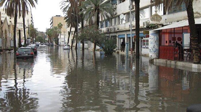 Tunus'ta yağmur afete dönüştü