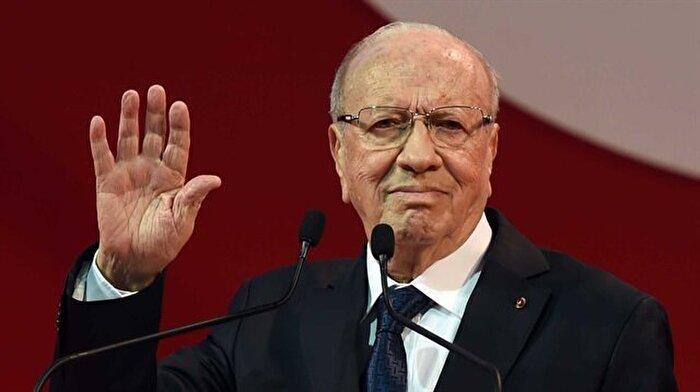 Tunus Cumhurbaşkanı, Nahda ile alakayı kesti