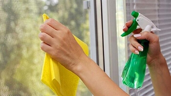 Ev kadınlarına müjdeli haber! Cam silmek zayıflatıyor