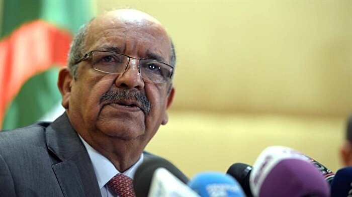 Cezayir'de Fransızca tartışması