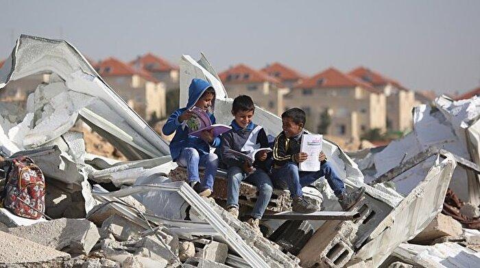 İsrail güçleri okul yıktı