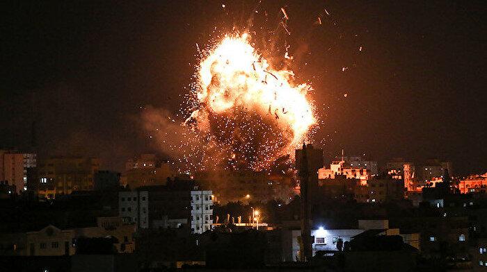 İsrail, Gazze'de televizyon kanalını vurdu