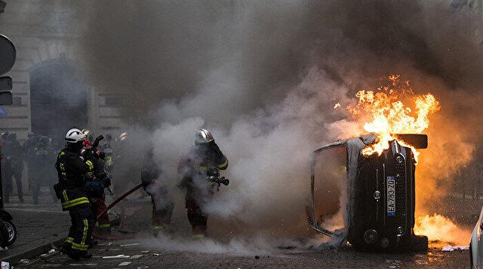 'Sarı yelekliler'in sözcüsü: Paris'i PKK'lılar ve aşırı sağcılar yaktı