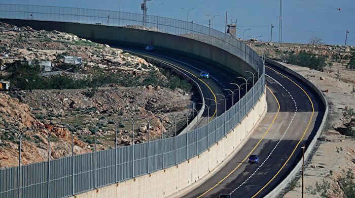 İsrail Batı Şeria'da Utanç Yolunu açıyor