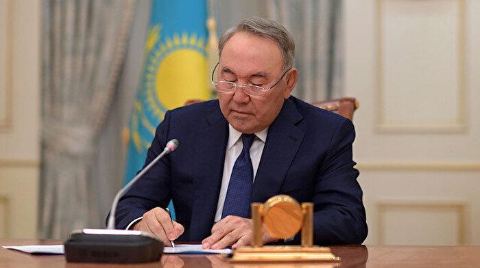 Nazarbayev'in istifasının ardından yanıt bekleyen sorular var