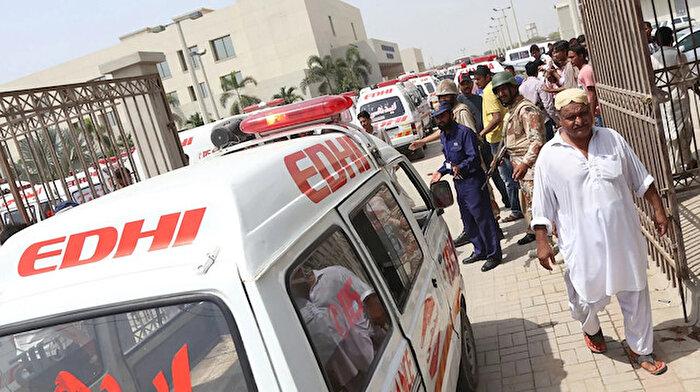 Pakistan'daki saldırıda 14 yolcu öldürüldü