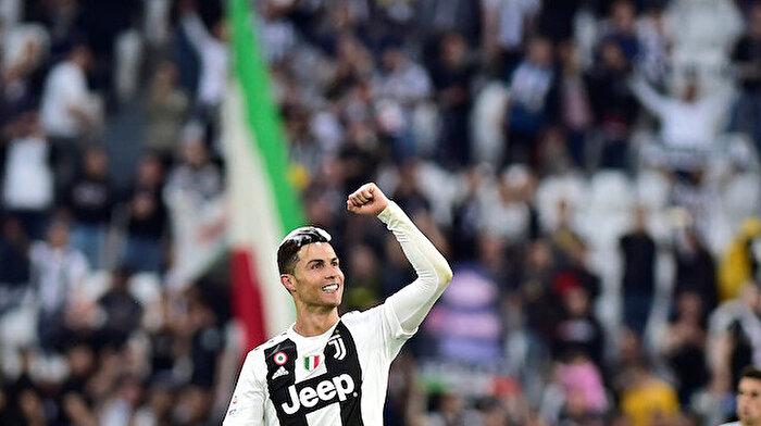 Ronaldo'dan tarihi rekor: Takımda kalıyor