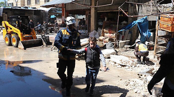 Suriye'de rejim güçleri pazar yerine saldırdı
