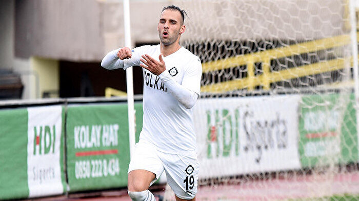1. Lig'in rekortmen golcüsü Paixao