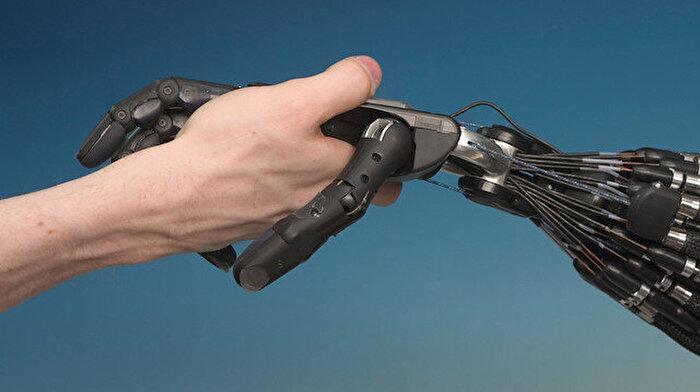 Eskimeyen 'yapay zeka' sorusu: 'Bir bilgisayar, bir insanı yenebilir mi?'