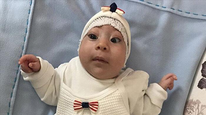 1 kilo 250 gramlık kitleyle doğan bebek yeniden hayata tutundu