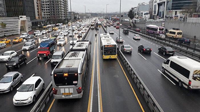 Metrobüsler çarpıştı: 10 kişi yaralı