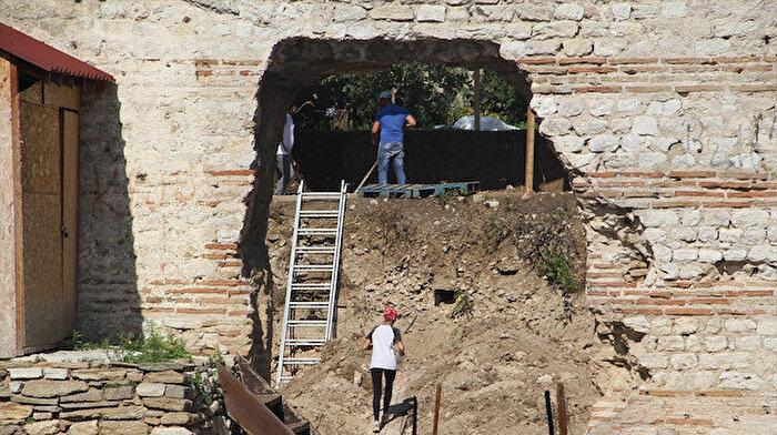 Sinop'ta yapılan kazı çalışmalarında 1500 yıllık kilise kalıntıları bulundu