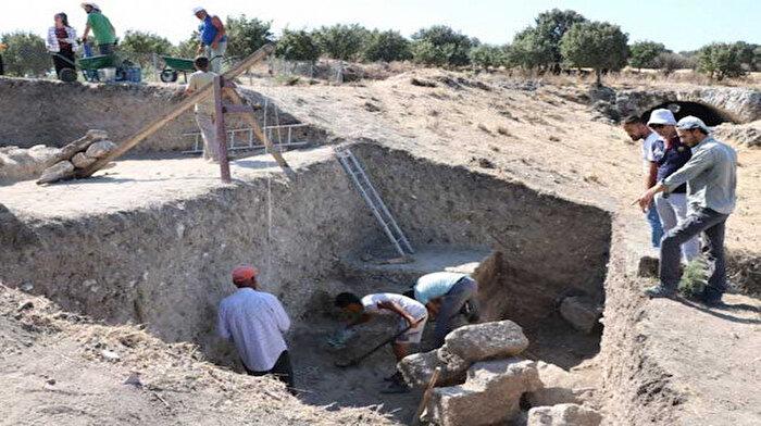 Alexandria Troas Antik Kenti'ndeki kazılarda su altındaki hazineler gün yüzüne çıkarılıyor