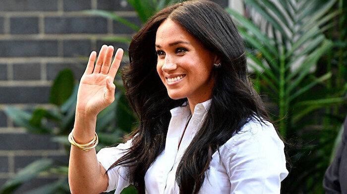 Kraliçe olmaya dair umudunu kaybeden Meghan Markle 'modaya el attı'
