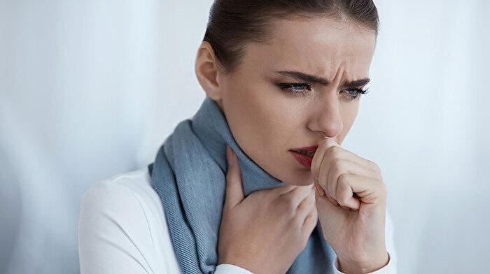 Geçmeyen öksürükler ciddi hastalıkların habercisi olabilir: 'Mutlaka doktora danışın'