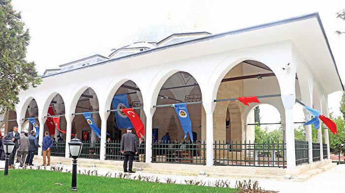 Mimar Sinan'ın eseri olan 466 yıllık Rüstem Paşa camisi ibadete açıldı