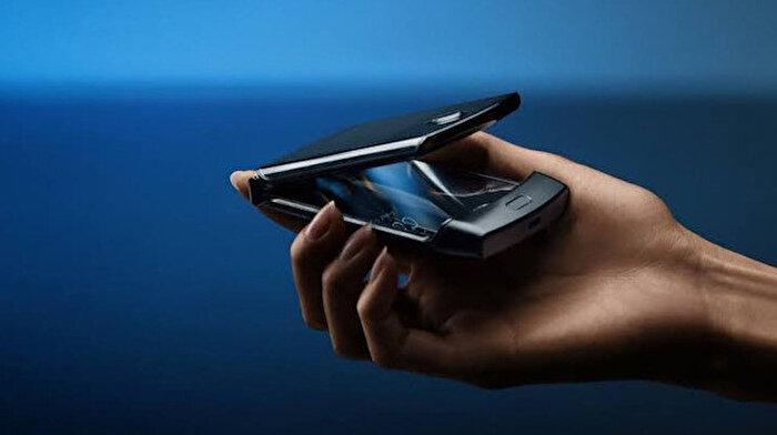 Geleceğe dönüş: Motorola katlanabilir telefonu Razr'ı duyurdu