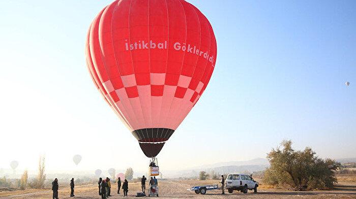 Nevşehir'de üretilen ilk yerli balon havalandı: 'Biz de denemeye talibiz'