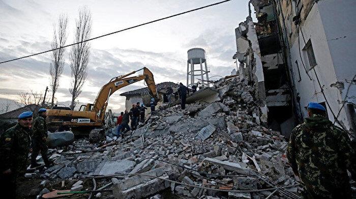 Arnavutluk'ta art arda depremler: Ölü ve yaralılar var