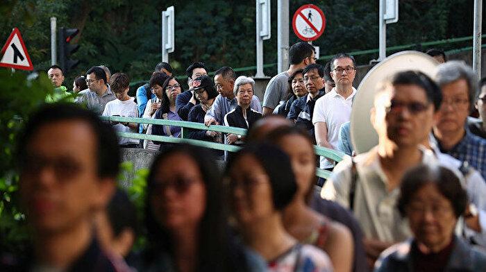 Protestoların gölgesinde Hong Kong yerel seçimleri ne anlama geliyor?