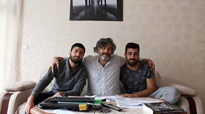 Baba ile iki oğlunun öğrencilik hayatı: Aynı üniversiteye gidiyorlar