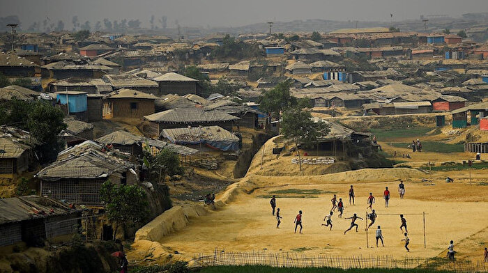 Bangladeş'te, Arakanlı  çocuklara eğitim engeli