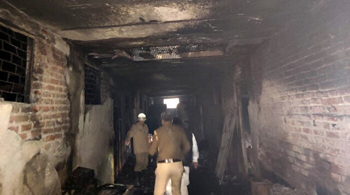 Hindistan'da fabrika küle döndü: 43 ölü, 15 yaralı