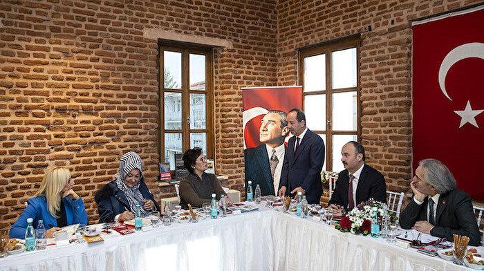 İskender Pala: Edirne Sarayı yeniden ayağa kaldırılmalı