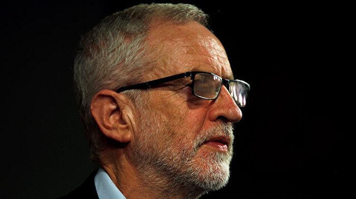Tarihin en kötü yenilgisini alan İşçi Partisi lideri görevini bırakacağını duyurdu