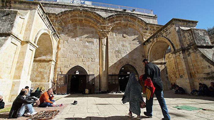 İsrail, mescidi sinagoga çevirmeye çalışıyor