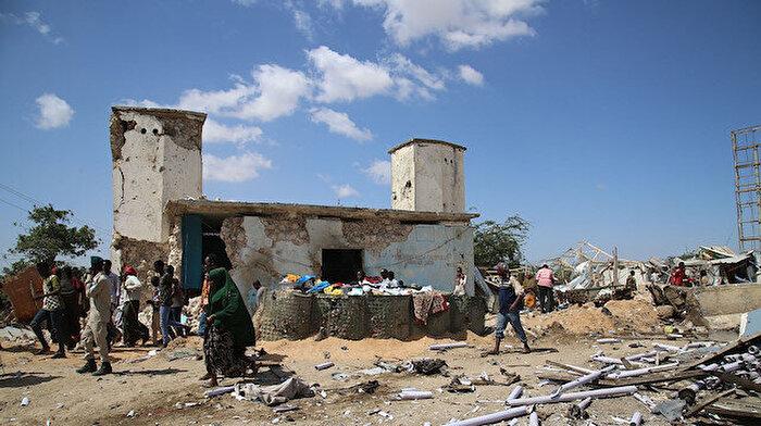 Somali'de bombalı saldırı: 2'si Türk 100 kişi hayatını kaybetti