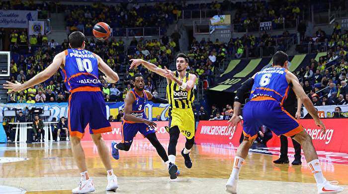 Fenerbahçe Beko uzatmada kaybetti