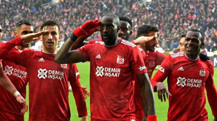 Sivasspor, Göztepe'yi 1-0 mağlup etti